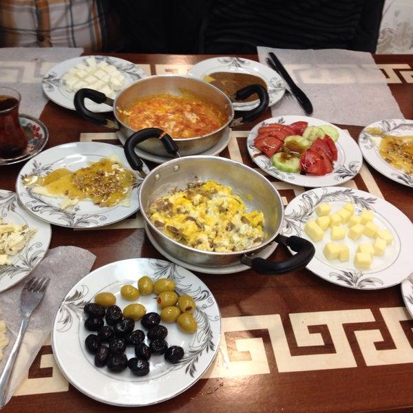 4/11/2015 tarihinde Yiğit F.ziyaretçi tarafından Yeni İmsak Kahvaltı Salonu'de çekilen fotoğraf