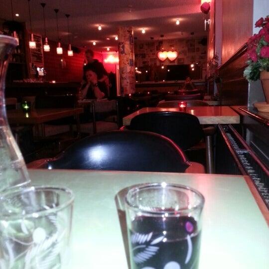 Photo taken at Cafe Lombok by Dik v. on 11/20/2012