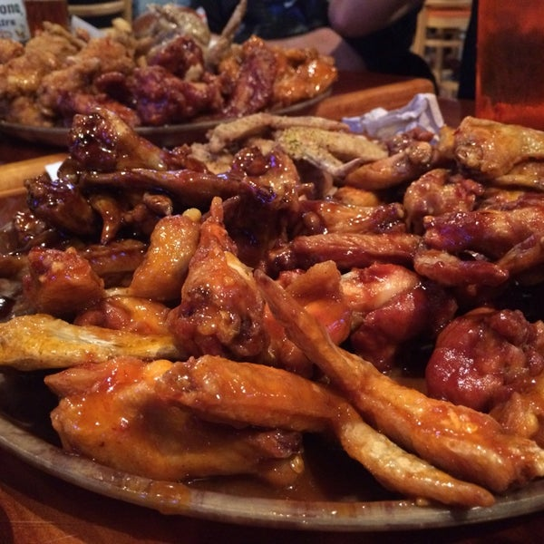 Photo taken at Hooters of Ontario by Joits on 12/23/2013