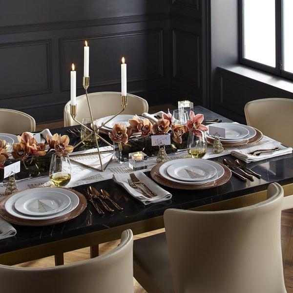 Свечи в геометричном подсвечнике Gabriel – особая атмосфера в вашем доме.