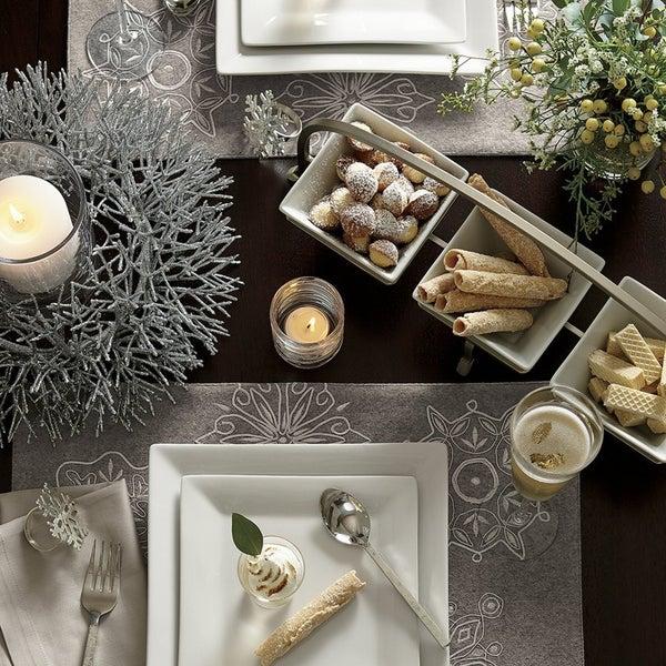 Сделать сервировку праздничного стола оригинальной помогут стильные квадратные тарелки Square Rim .