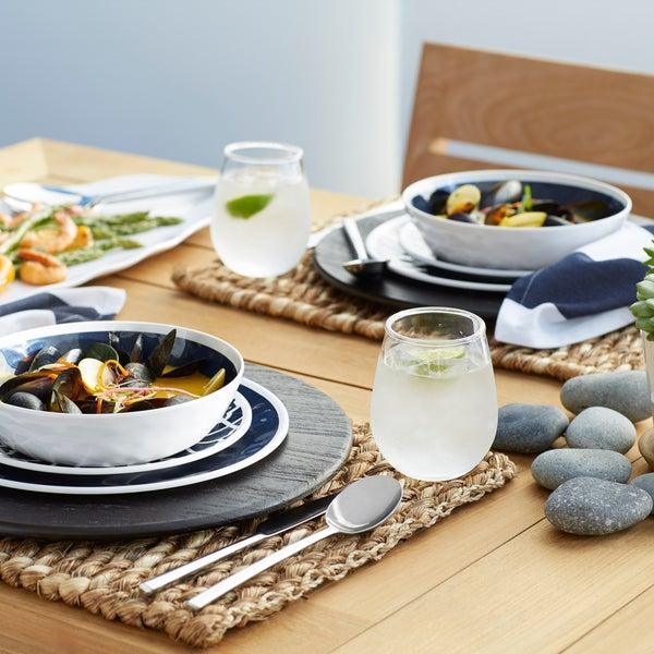 Морская коллекция посуды Regatta идеальна для летнего стиля подачи блюд🌊