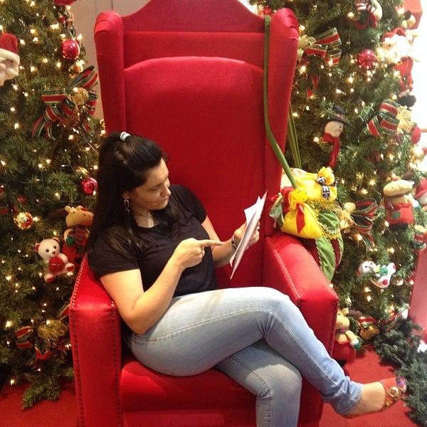Foto tirada no(a) JL Shopping por Flavia d. em 11/29/2013