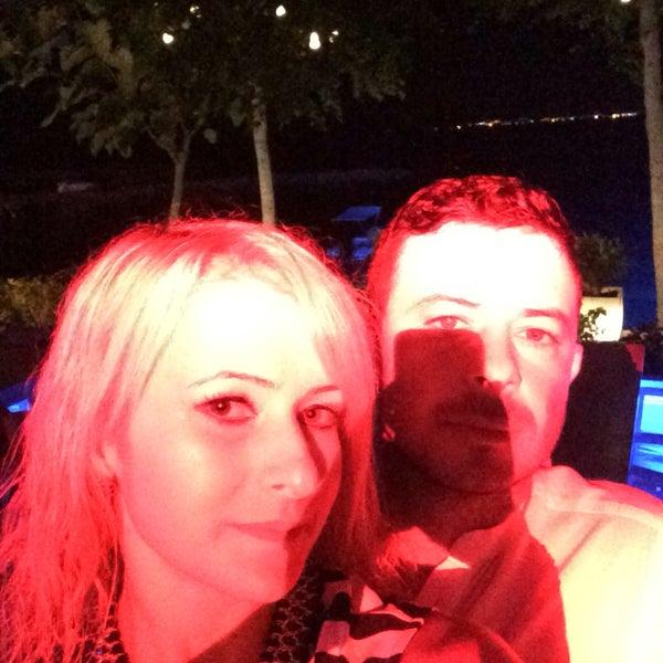 Foto diambil di Beluga Bar Karma Sky Lounge oleh Hakan Zerrin Eğmen A. pada 8/4/2016