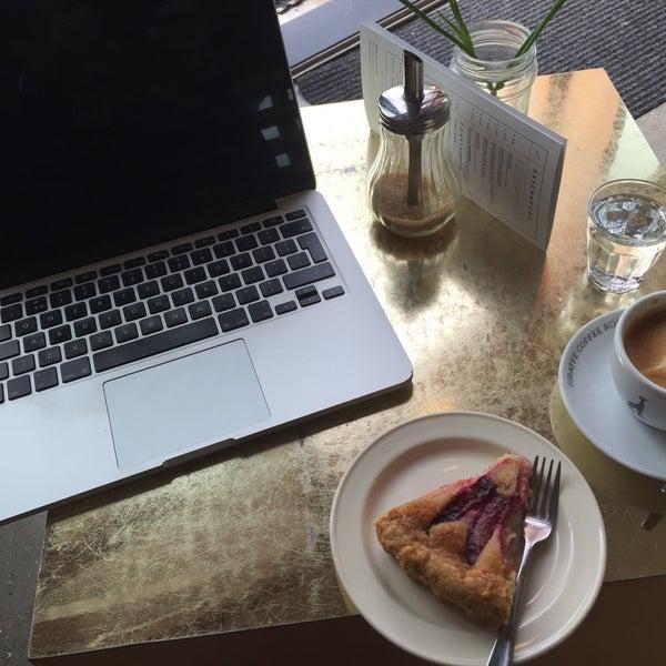 Photo taken at Lokaal Espresso by Ianus K. on 8/25/2015