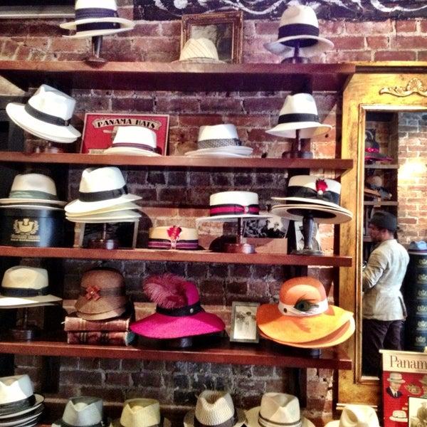 Снимок сделан в Goorin Bros. Hat Shop - West Village пользователем 8PM R. 7/11/2013