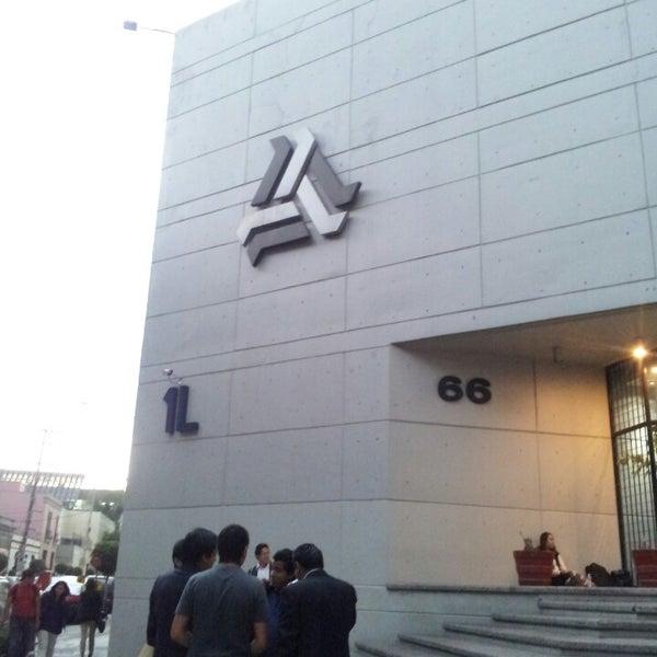 Foto tomada en Universidad La Salle por Israel M. el 5/23/2013
