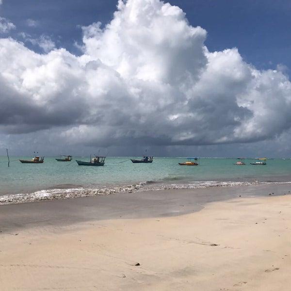 Foto tirada no(a) Praia de São Miguel dos Milagres por Daniel G. em 3/17/2017