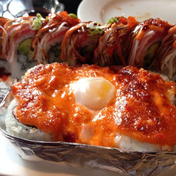 Photo prise au Sushi O Bistro par Evan K. le5/30/2014