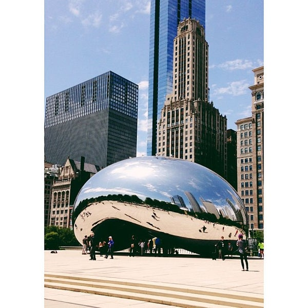 Photo taken at Cloud Gate by Anish Kapoor by Pam ☕️ O. on 6/5/2013
