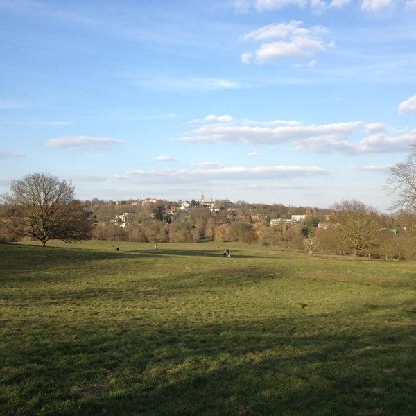 4/6/2013 tarihinde Kayanoziyaretçi tarafından Hampstead Heath'de çekilen fotoğraf