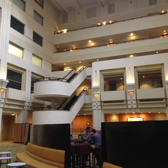 Photo taken at San Francisco Marriott Marquis by Emiliano L. on 10/5/2012