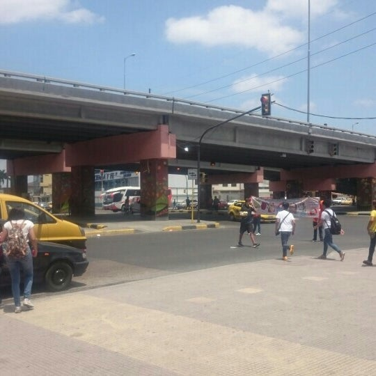 Foto tirada no(a) Mall del Sur por Ivan C. em 9/26/2015