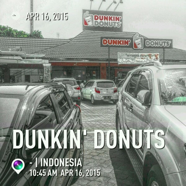 Photo taken at Dunkin' Donuts by Media S. on 4/16/2015