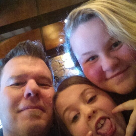 Photo taken at LongHorn Steakhouse by Daryl G. on 1/31/2015