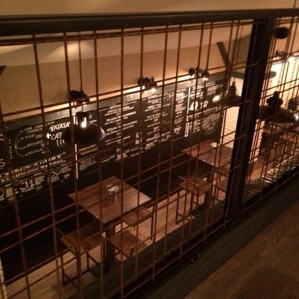 Sitio muy acogedor. Buena comida, buen café y copazos increíbles!!! Muy recomendable