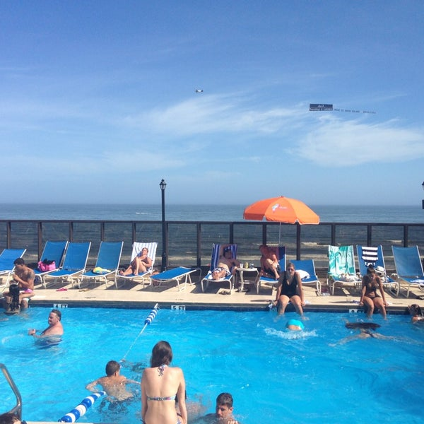 blue parrot beach pool bar atlantic city nj. Black Bedroom Furniture Sets. Home Design Ideas
