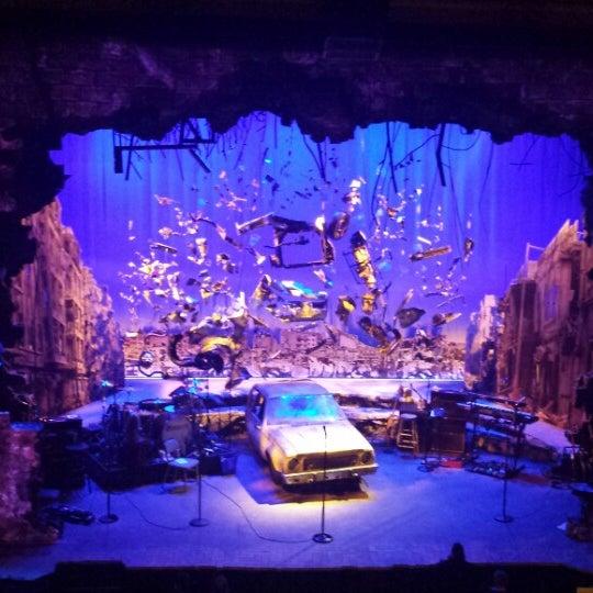 รูปภาพถ่ายที่ Belasco Theatre โดย Jeannette L. เมื่อ 2/20/2015