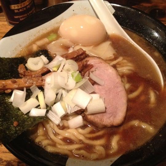 10/11/2012 tarihinde えんどぅ よ.ziyaretçi tarafından Sugoi Niboshi Ramen Nagi'de çekilen fotoğraf