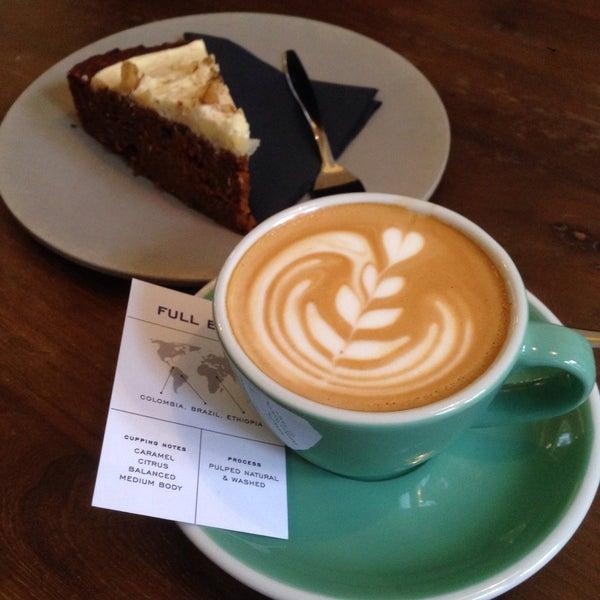 Шикарный кофе и carrot cake!