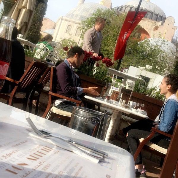 4/16/2018にNayefがMihri Restaurant & Cafeで撮った写真