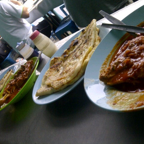 Photo taken at Roti Canai Transfer Rd. by Elly M. on 1/1/2013