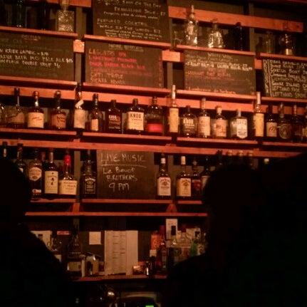 Das Foto wurde bei Sycamore Flower Shop + Bar von Sara G. am 1/20/2013 aufgenommen