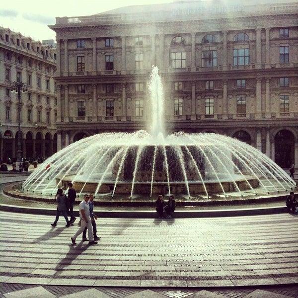 Foto scattata a Piazza de Ferrari da TooMuchTuscany il 10/20/2012