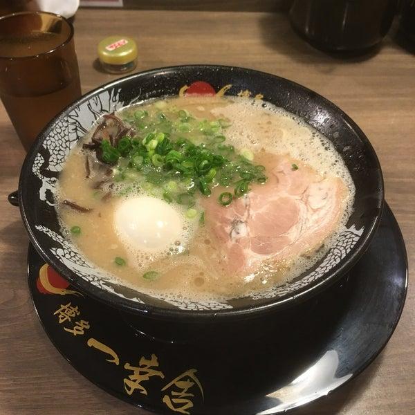 Photo taken at Hakata Ikkousha by これきよ on 11/21/2016