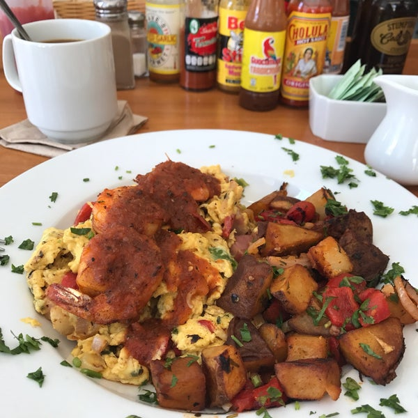 รูปภาพถ่ายที่ Harbor Breakfast โดย Didi F. เมื่อ 6/14/2017