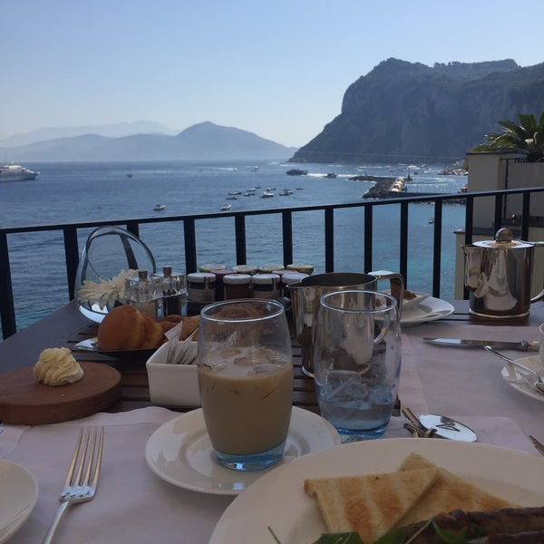 7/2/2016にGail S.がJK Place Capriで撮った写真