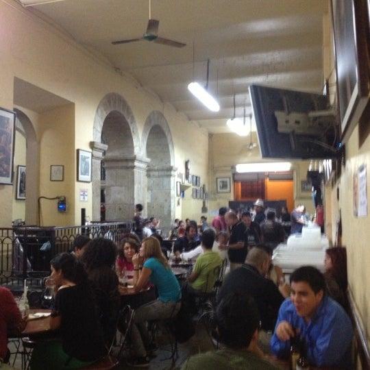 Foto tomada en Cantina La Fuente por Ebbani R. el 10/23/2012