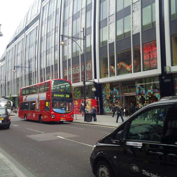 Photo taken at Oxford Street by DTourist F. on 5/18/2013