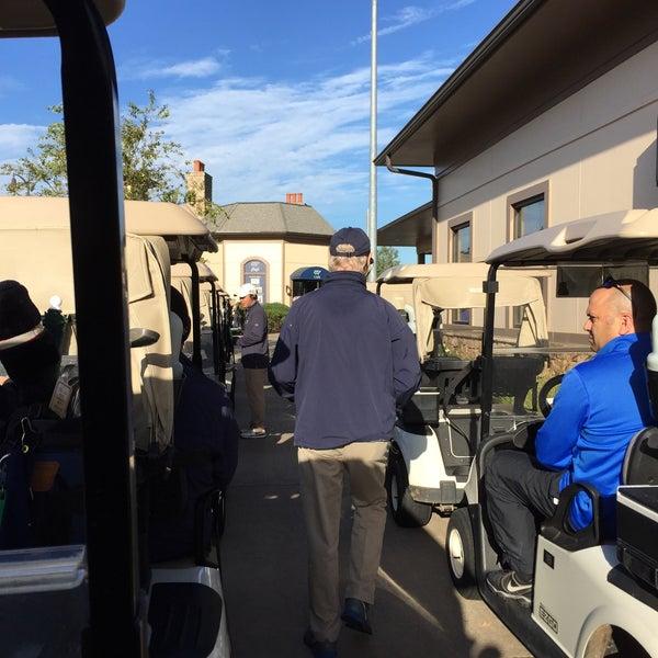 Foto tomada en 1757 Golf Club por Jim P. el 10/5/2015