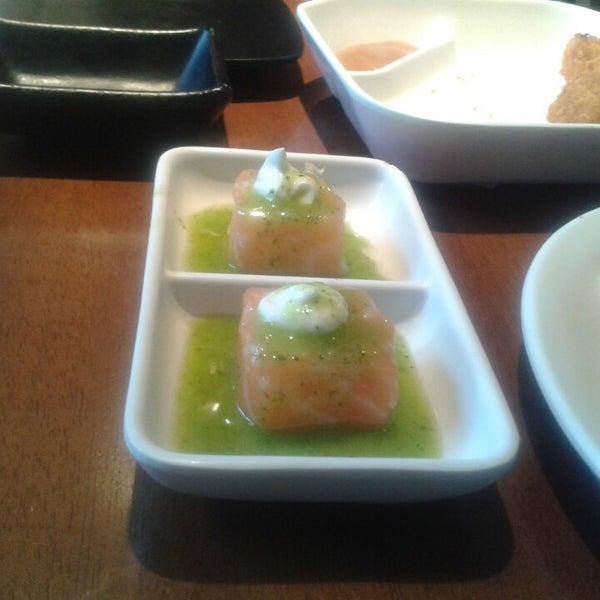 รูปภาพถ่ายที่ Saikou Sushi โดย Daniela C. เมื่อ 7/13/2014