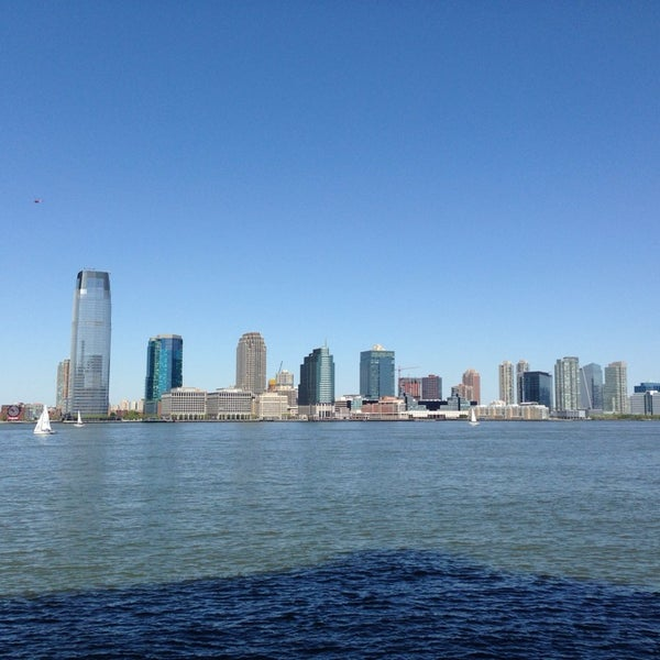 Photo taken at Battery Park City Esplanade by Yang S. on 5/11/2014