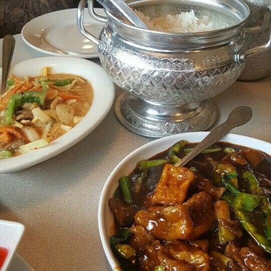 New bangkok cuisine thai restaurant in northville for Cuisine bangkok
