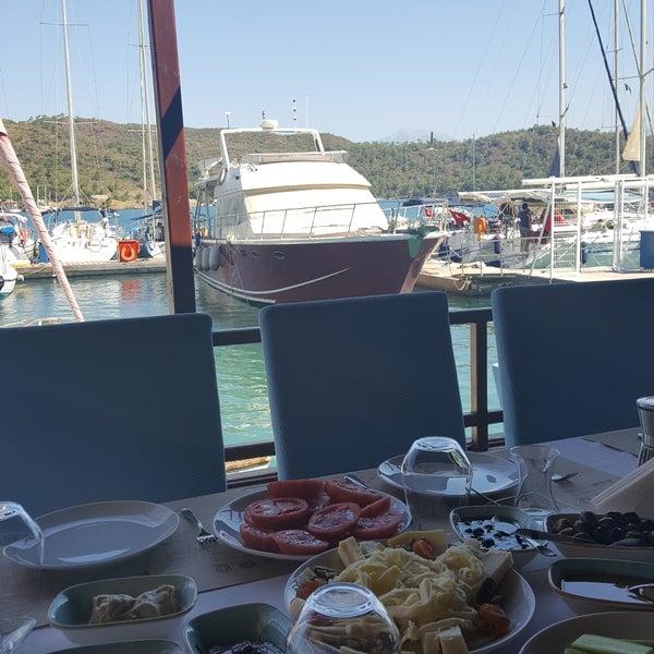 7/29/2017 tarihinde Azize A.ziyaretçi tarafından Fethiye Yengeç Restaurant'de çekilen fotoğraf