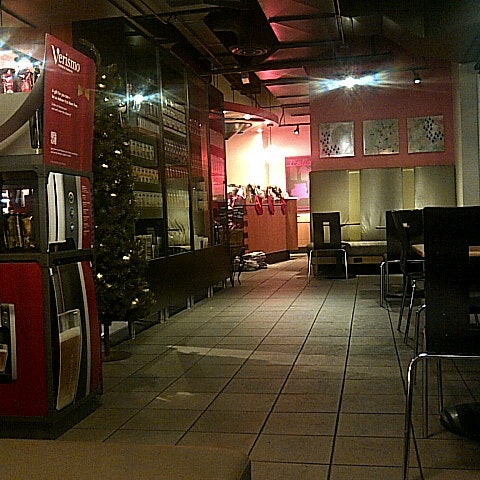 Photo taken at Starbucks by Joseph S. on 12/2/2012