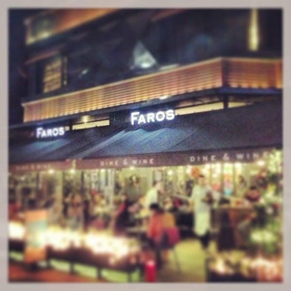 12/28/2012 tarihinde Kenan A.ziyaretçi tarafından Faros Restaurant'de çekilen fotoğraf