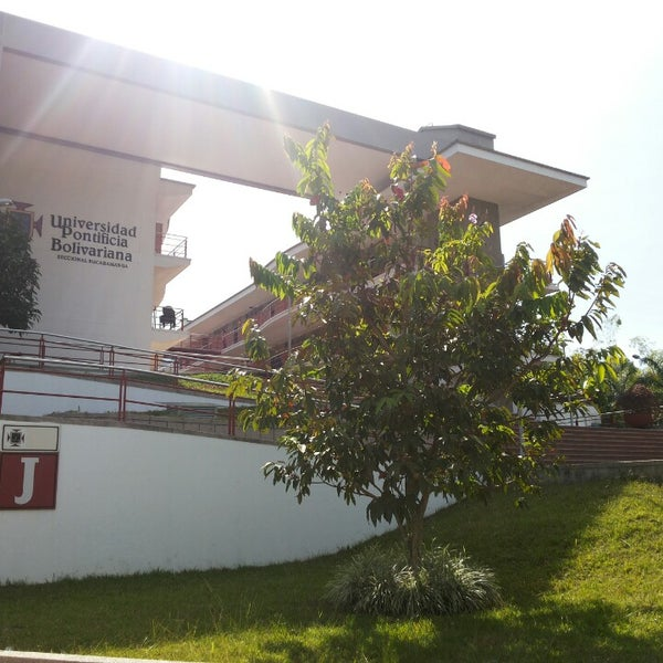 Photo taken at Universidad Pontificia Bolivariana - Seccional Bucaramanga by Erika Paola B. on 10/3/2013