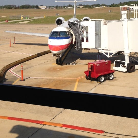 Photo taken at Shreveport Regional Airport (SHV) by Timothy S. on 10/5/2012