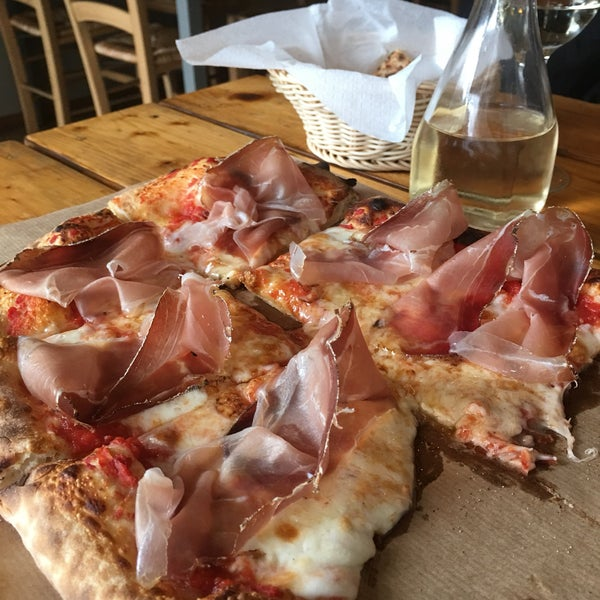 Photo taken at Pizzicotto by Panito K. on 3/10/2017