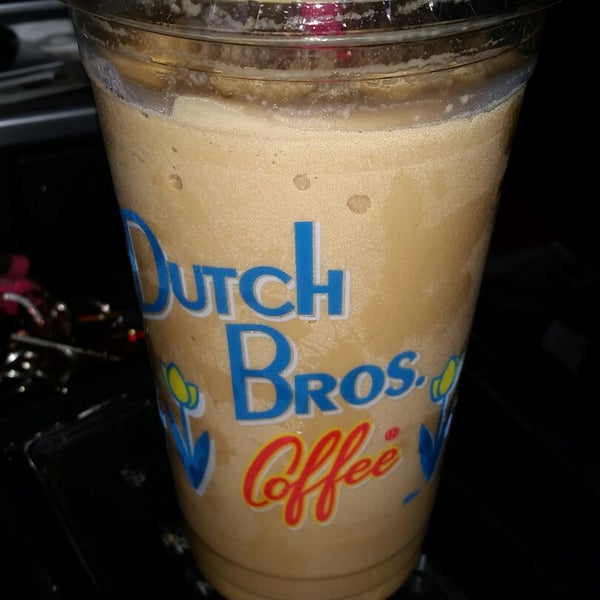 I Love Love Love All of the blended drinks!! 💙 ❤ 💚 💛 💜 I add shots,  a caramel drizzle,  make that drink my own.  I've never had bad service either and that's awesome.  Stamp card recommended!!