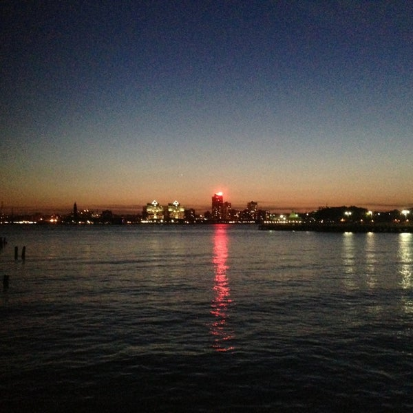 Das Foto wurde bei Hudson River Park von Jason T. am 6/1/2013 aufgenommen