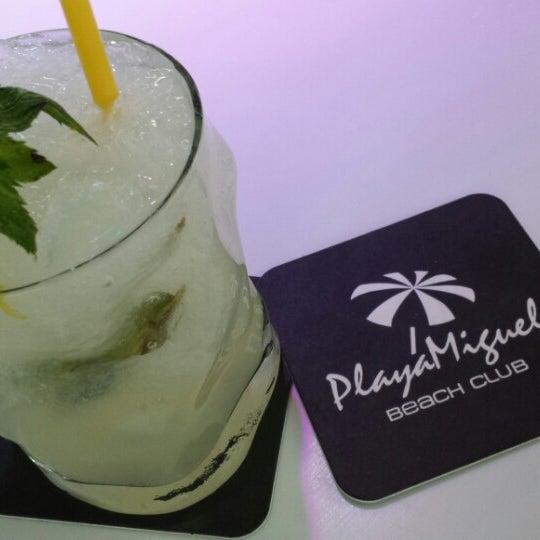 Foto tomada en Playa Miguel Beach Club por Claudia el 6/27/2014