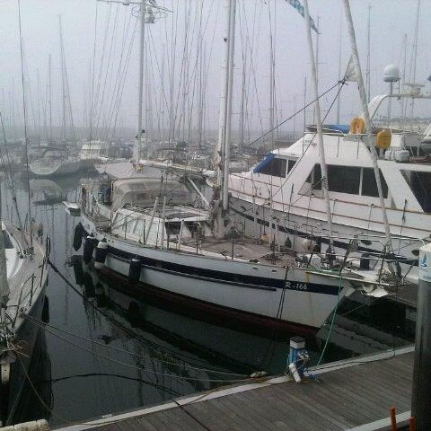 Foto tirada no(a) Porto de Recreio de Oeiras por Adriano M. em 9/16/2012