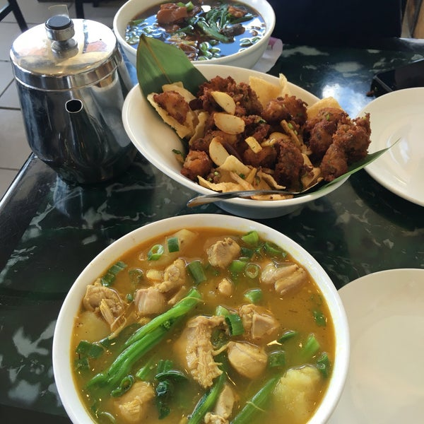 Photo taken at Sang Kee Peking Duck House by Ash D. on 4/3/2016