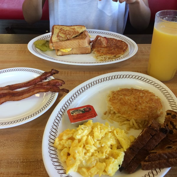 Photo taken at Waffle House by Joan D. on 5/3/2016
