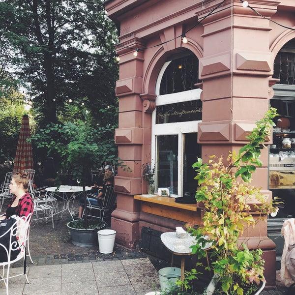 Das Foto wurde bei Café Maingold von Kyrillie am 8/31/2018 aufgenommen